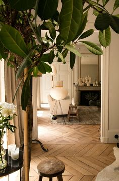 More interior inspiration on www.ringthebelle.com home / interieur / inspiration / lyon / Maison Hand / decoration / living room  / #ringthebelle / #storystore / #maisonhand
