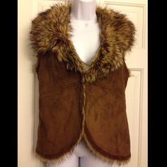 Chico's Reversible suede / faux fur vest Beautiful - New condition - No trade * No PayPal * Final Price * Ask for more pics or info. Never negative surprise from my closet. Thanks Chico's Jackets & Coats Vests