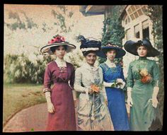 William Gullick, Mary, Zoe, Marjory, and Chloe Gullick, c.1909, autochrome, State Library of New South Wales