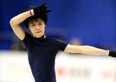 浅田真央が公式練習 フィギュアGPファイナル、福岡で5日開幕