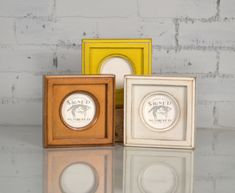 3x3 Circle Opening Picture Frame with Outside Cove Build up