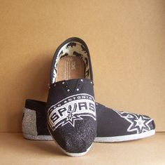 San Antonio Spurs TOMS. I am not a huge fan of the Spurs.. Or TOMS. However, if I can snag me one of these based on the Golden State Warriors - I so will.