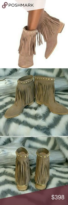 NEW! MICHAEL KORS Billy boots *BRAND NEW* Brand New! Super fun and playful Michael Kors fringe booties!!  These booties feature golden stud hardware details at ankle shaft, fun fringe and a gold Michael Kors name plate at the back of heels. These beauties would make a great addition to your wardrobe! Pair with anything!!!  *Almond toe *Leather upper *Rubber Sole  *size 6 *Reviews state they fit true to size *Brand new without box  Shop with confidence Suggested User Same day shipping 5 star…