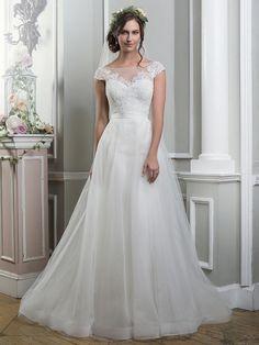 Brautkleider im gehobenen Preissegment | miss solution Bildergalerie - Modell 6375 by LILLIAN WEST