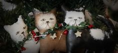 Trio of mischevious Christmas cats by TheChristmasDen on Etsy Christmas Cats, Christmas Ornaments, Holiday Decor, Unique Jewelry, Handmade Gifts, Etsy, Vintage, Kid Craft Gifts, Christmas Jewelry