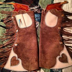 . Cowboy Spurs, Cowboy Gear, Leather Tooling, Leather Purses, Working Gear, Shotgun Chaps, Rodeo Life, Cowboy Christmas, Western Riding