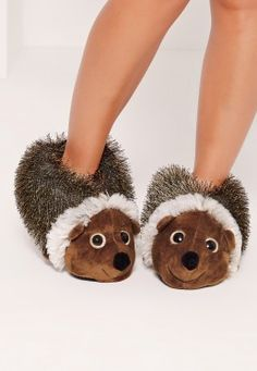 These hedgehog slippers are too cute not to have! With glittery eyes, these are the perfect winter warmers! Hedgehog Pet, Cute Hedgehog, Hedgehog Habitat, Happy Hedgehog, Hedgehog Accessories, Cute Animals, Animals And Pets, Baby Animals, Love To Shop
