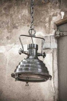 Gave industriele lamp