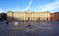 Toulouse owes its nickname of « Ville Rose St Cecelia, Famous Catholics, Place Du Capitole, Saint Sernin, Rue Pietonne, Ville Rose, Round The World Trip, Ville France, Fancy Houses