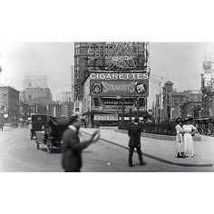 "oldvintagenewyork: ""Times Square Manhattan New York City 1918. #NY #NewYork #NewYorkCity #City #Manhattan #love #TagsForLikes #instagood #nyc #smile #follow #cute #photooftheday #tbt #followme #beautiful #happy #picoftheday #instadaily #amazing #TFLers #fashion #igers #fun #instalike #bestoftheday #like4like #instamood #Vintage #Old"""