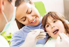 Dientes Perfectos y blancos para tu Niño  Bs. 300 en vez de Bs. 600 por limpieza dental + aplicación de fluor + dos sellantes y para tu acompañante 50% de descuento en su blanqueamiento láser en Clínica Odontológica Integral