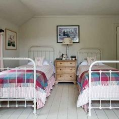Guest bedroom | Devon modern country house | House tour | PHOTO GALLERY | Country Homes and Interiors | Housetohome.co.uk