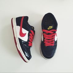 factory authentic f1502 baf98 NIKE Dunk Low (GS), Size 4Y - Limited Edition † size 4Y