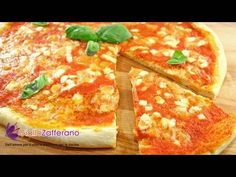 """Pizza margherita - Italian recipe from Giallo Zafferano, uses dough I have listed under """"Recipes-breads"""".my favorite crust recipe.and the pizza is outstanding! Pizza Recipes, Lunch Recipes, Pizza Pastry, Pizza Dough, Love Pizza, Recipe Steps, Crust Recipe, Food Videos, Italian Recipes"""