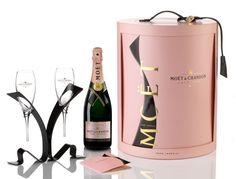 Moët & Chandon Rosé Impérial, deux coffrets exclusifs pour la Saint-Valentin http://journalduluxe.fr/moet-chandon-saint-valentin/