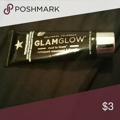 GlamGlow YouthCleanse Daily Exfoliating Cleanser Mud to Foam GlamGlow  Makeup