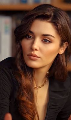 Turkish Fashion, Turkish Beauty, Summer Body Goals, Ariana Grande Pictures, Actrices Hollywood, Hande Ercel, Brunette Beauty, Celebrity Beauty, Interesting Faces