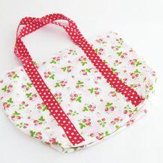 Simple strawberry bag. Aardbeientas