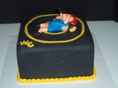 Wrestling cake?!?! Oh that is sooo cool!