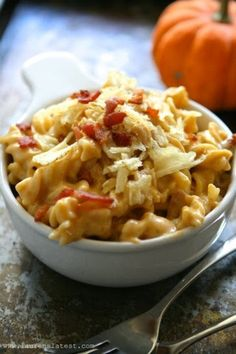 Homemade Pumpkin Bacon Mac & Cheese recipe!  Awesome pumpkin recipe! SO good!! From: So Freakin' Delicious!