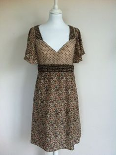 Max and Co Floral Silk Dress via The Queen Bee. Click on the image to see more!