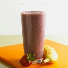 Smoothie recipes for kids are a great way for getting picky eaters to try new and healthy foods that they might not otherwise eat. They are easy to make and a great way to involve your kids in the kitchen