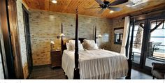 51 Of The Absolute Best Barndominium Pictures On The Internet Metal House Plans, Barn House Plans, Steel Building Homes, Building A House, Copper Farm Sink, Barndominium Pictures, Quonset Homes, Living Dining Combo, Barn Siding
