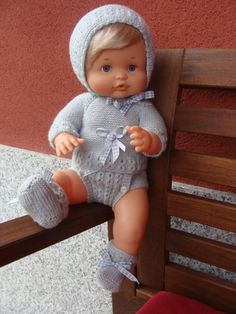 Muñecos - Baby Doll Clothes, Crochet Doll Clothes, Diy Clothes, Baby Dolls, Doll Patterns, Knitting Patterns, Dolly Doll, Kool Kids, Bear Doll