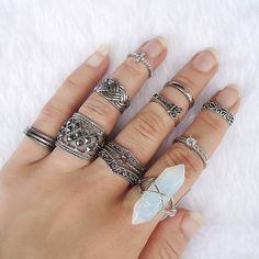 Anéis disponíveis na loja virtual, acesse www.canelaacessorios.com.br e faça seu conjunto #canelaacessorios #bijuteria #biju #online #ring