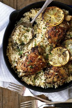 One Pot Greek Chicken with Lemon Rice - even the rice is cooked right in the same pan as the chicken! @recipetin