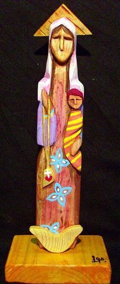 Virgen del Carmen, talla en madera de Leonardo de Castro. Imagen tomada de http://www.google.fr/imgres?q=artesania+venezolana+talla+de+madera