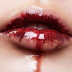 the vampire diaries aesthetic Blood Mage, Jennifer's Body, Caroline Forbes, Sang, Vampire Diaries The Originals, Dark Beauty, Slytherin, Beauty Makeup, Hair Makeup