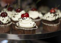 Guerilla Bakery: Schwarzwälder-Kirsch-Cupcakes