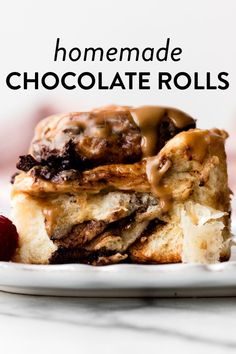 These outrageously rich and indulgent chocolate sweet rolls come together with a buttery soft homemade dough and brown sugar chocolate filling. They're shaped like cinnamon rolls and taste like dessert! Top with espresso glaze. Recipe on sallysbakingaddiction.com Chocolate Roll, Chocolate Filling, Homemade Chocolate, Chocolate Lovers, Sweet Breakfast, Breakfast Recipes, Dessert Recipes, Yeast Bread Recipes, Baking Recipes