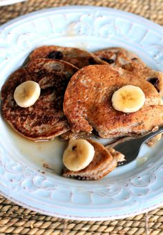 Oatmeal Chocolate Chip Banana Pancakes. 220 Calories, Vegan & Gluten-Free!