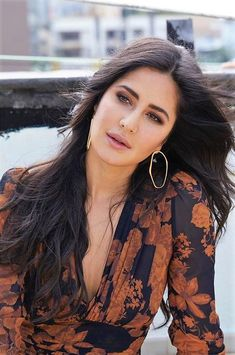 Glamorous pictures of Bollywood diva Katrina Kaif Pics Picture Of Katrina Kaif, Katrina Kaif Images, Katrina Kaif Hot Pics, Katrina Kaif Photo, Beautiful Bollywood Actress, Most Beautiful Indian Actress, Katrina Kaif Wallpapers, Beautiful Girl Image, Stunning Girls