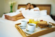 Make Mom Breakfast in Bed: 6 Spa Recipes Tostadas, Best Breakfast Recipes, Breakfast In Bed, How To Get Rich, Health Benefits, Healthy Living, At Least, Food And Drink, Weight Loss