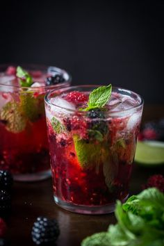 This mixed berry mojito combines delicious fresh raspberries, blackberries, mint and rum. It's super delicious, perfect for spring or summer and takes only 5 minutes to make!
