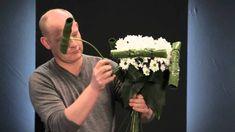 Chrysanthemum workshop by top florist Ruud Hazelaar ✄ https://www.youtube.com/watch?v=MUF47XVRsTw