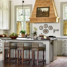 @Melanie_Davis_Design was chosen as one of the Atlanta Homes & Lifestyle's 2016 Kitchen of the Year winners for a project in @serenbe. Loved your design - thanks for featuring ROHL!