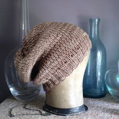 Free pattern PDF for this beautifully textured slouchy hat. You also get a bonus recipe for a Spicy Mushroom Noodle bowl.