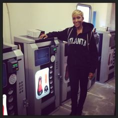Flat Out Of Heels - This is Dawn Dickson, and she is a world changer -- a shoe vending machine -- she's a GENIUS