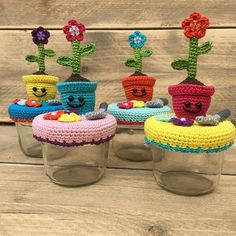 Another picture of the #jar #covers i made.. #crochet #amigurumi #instagurumi #haken #flower #deksel #craft #colourfull #growing #present #gift