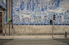 Crossing Azulejos photo by Manolo Ameixa (@manolo_ameixa) on Unsplash
