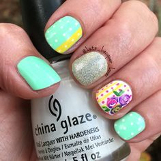 I needed to brighten things up a bit. Okay. A lot. My #NubClub membership continues. This is #ChinaGlaze Highlight of My Summer (mint green) and Snow (white) & #Revlon #HolographicPearls. Art is done with acrylic craft paint using the #PureColor #10 detail brush from #WhatsUpNails and a toothpick. Topped off with #HKGirl #GlistenandGlow ❤️.   #ChinaGlazeOfficial  #diynails #nailart #nailartamateur #polishaddict #floridanailgirl #tampanailgirl #healthynails #naturalnails #summernails…