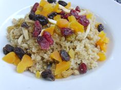 Breakfast Quinoa with Almonds, Dried Fruit, Cinnamon, and Brown Sugar #healthy