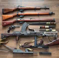 Repost ( ・・・ Small Arms of the British and Commonwealth forces during WWII. Ww2 Weapons, Battle Rifle, Gun Art, Custom Guns, Fire Powers, Hunting Rifles, Assault Rifle, Cool Guns, Military Weapons