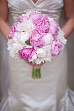 bouquet-sposa-peoniehttp://lifestylemadeinitaly.it/bouquet-sposa-2015-tutte-le-tendenze-fiori-e-colori/