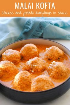 Here's a step by step malai kofta recipe made in the restaurant style! Delicious, healthy and an absolute treat for vegetarians! Indian Potato Recipes, Indian Paneer Recipes, Indian Food Recipes, Veggie Recipes, Gourmet Recipes, Vegetarian Recipes, Kofta Recipe Vegetarian, Veggie Meals, Vegetarian Cooking