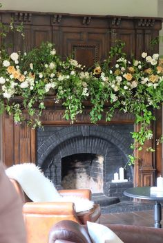 Ignore the colours but natural long & low arrangement for the mantle piece made up of wispy trailing foliages. Wedding Mantle, Wedding Fireplace, Fireplace Mantle, Fireplace Decorations, Jardin Decor, Large Floral Arrangements, Wedding Flower Inspiration, Elopement Inspiration, Flower Installation